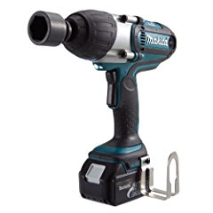 Makita BTW450 18-Volt LXT Lithium-Ion Cordless 1/2-Inch High Torque Impact Wrench Kit
